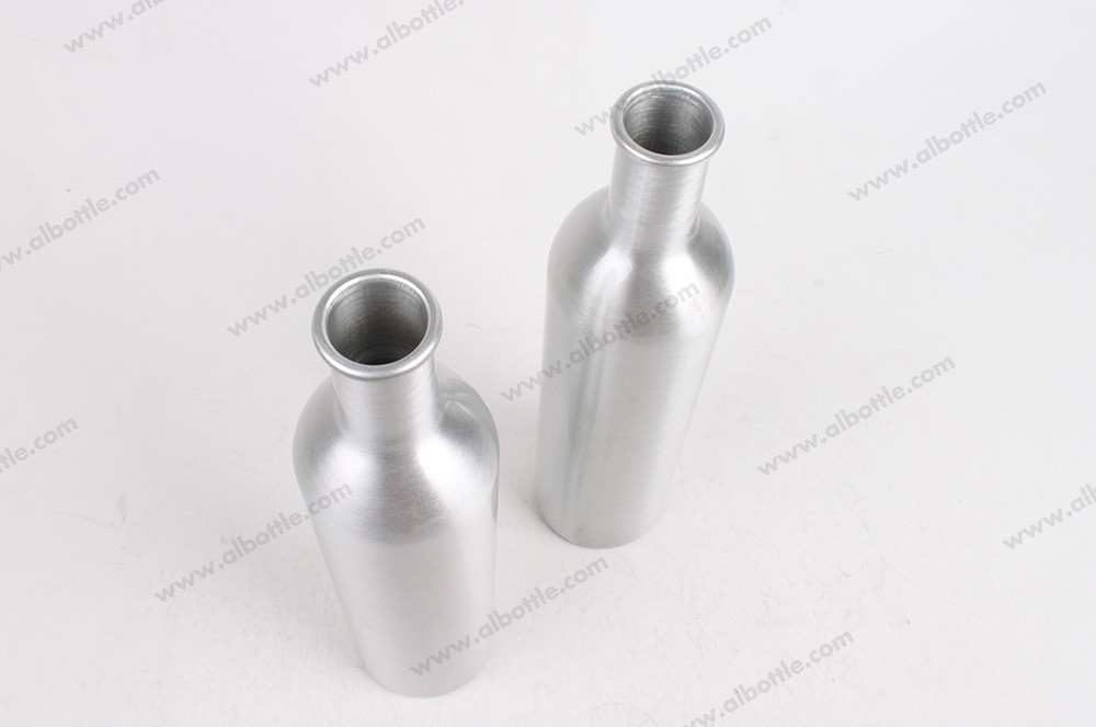 2 of aluminum-bottle-with-cork